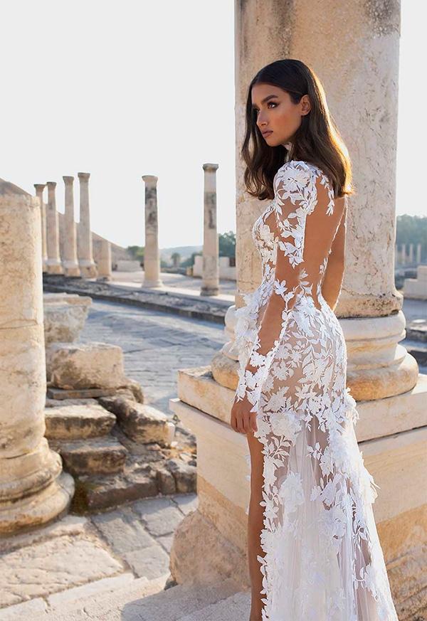 impressive-backless-wedding-dresses-2