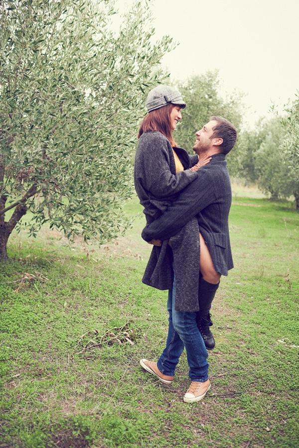 romantic-anniversary-shoot-park-kifisia_04