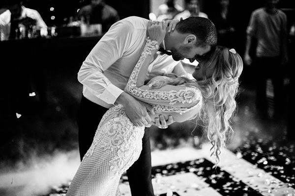 romantic-elegant-fall-wedding-nicosia-white-flowers-greenery_37