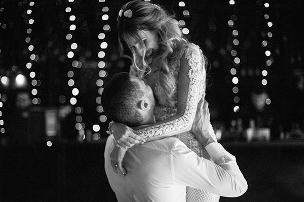 romantic-elegant-fall-wedding-nicosia-white-flowers-greenery_39