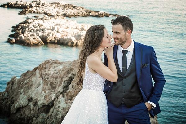 Ρομαντικός φθινοπωρινός γάμος με λευκά άνθη στην Αθήνα | Φωτεινή & Παναγιώτης