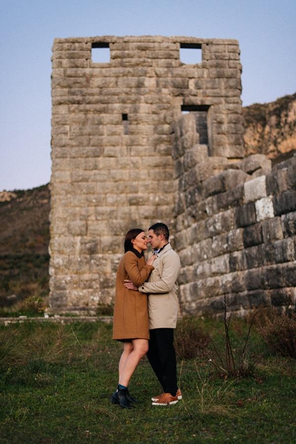 romantic-prewedding-photoshoot-ancient-messini_03x