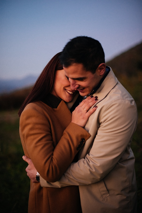 romantic-prewedding-photoshoot-ancient-messini_06