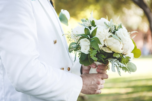 romantic-summer-wedding-white-peonies-and-roses_17