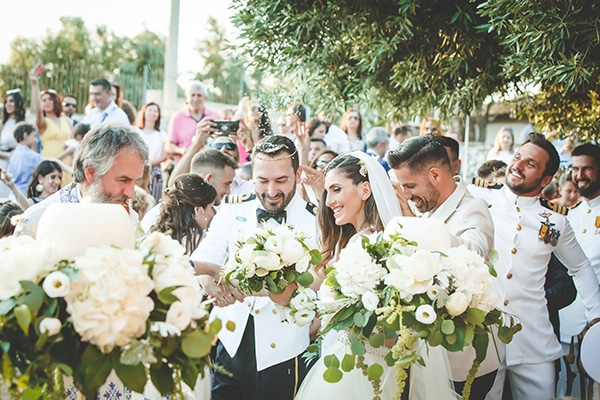 romantic-summer-wedding-white-peonies-and-roses_22