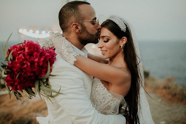 Καλοκαιρινός chic γάμος στη Σίφνο με ελιά και βουκαμβίλια | Θέλξια Βαλέρια & Χριστίνος