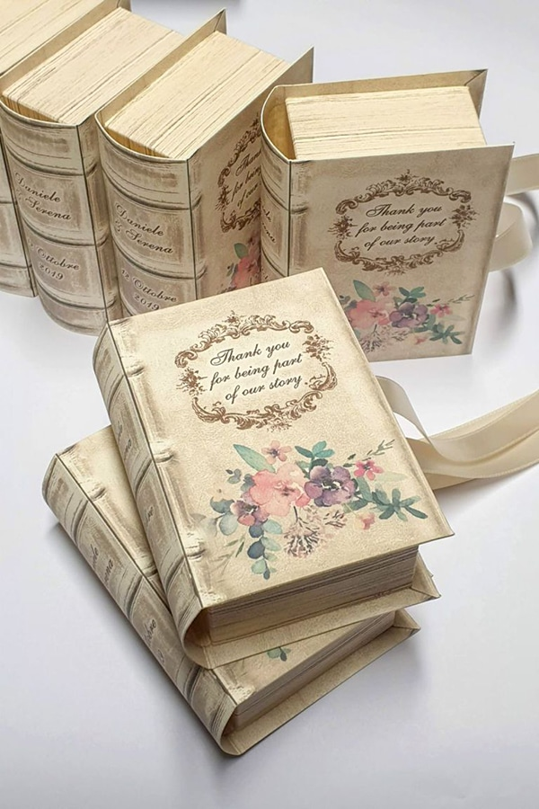 unique-handmade-custom-made-boxes-books-wedding-gifts-favors_01z