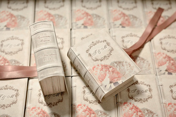 unique-handmade-custom-made-boxes-books-wedding-gifts-favors_03