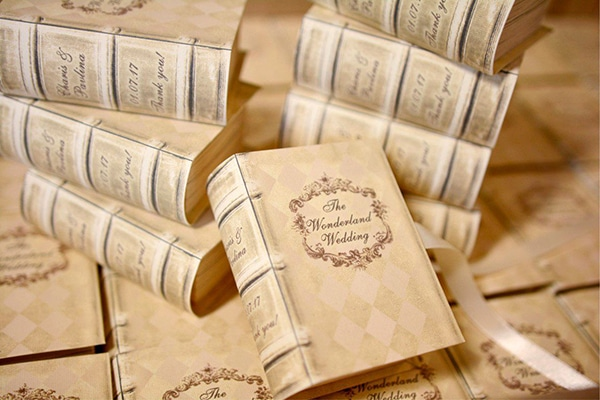 unique-handmade-custom-made-boxes-books-wedding-gifts-favors_05