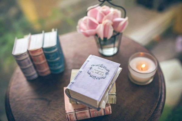 unique-handmade-custom-made-boxes-books-wedding-gifts-favors_07