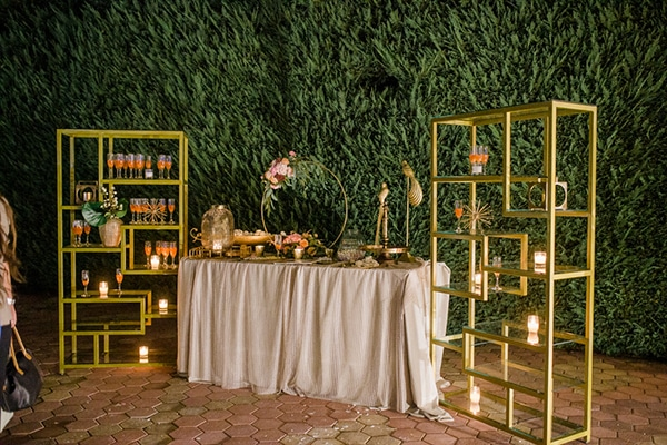 Luxurious welcome table