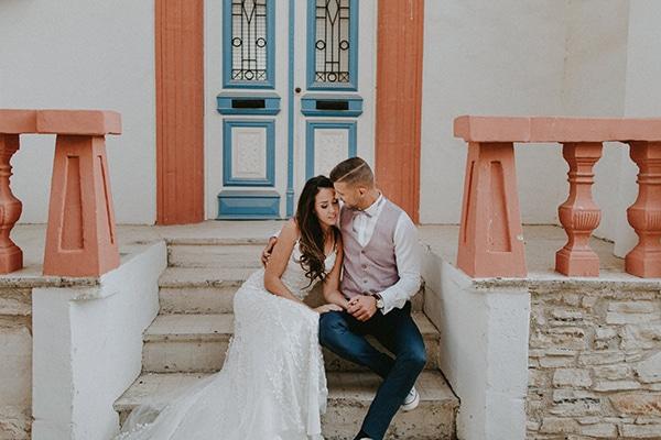 Υπέροχος καλοκαιρινός γάμος σε πολυτελές ξενοδοχείο της Πάφου με πανέμορφο ανθοστολισμό και ρομαντική ατμόσφαιρα│ Zsofia & David