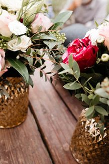 Ρομαντικές ανθοσυνθέσεις σε βάζα