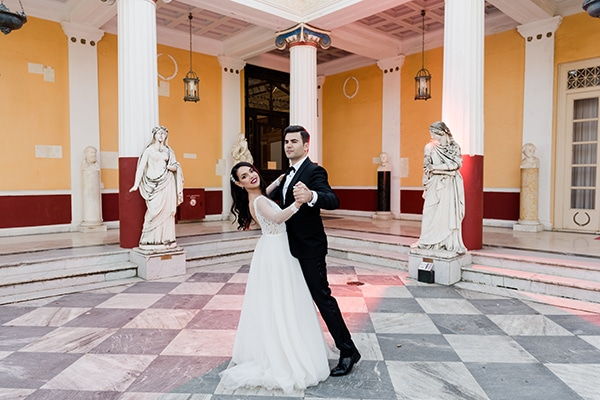 Υπέροχος χειμωνιάτικος γάμος στην Κέρκυρα σε μπορντό αποχρώσεις │ Περσεφόνη & Σπύρος