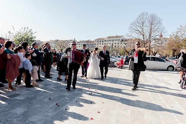 beautiful-winter-wedding-corfu-burgundy-hues_12
