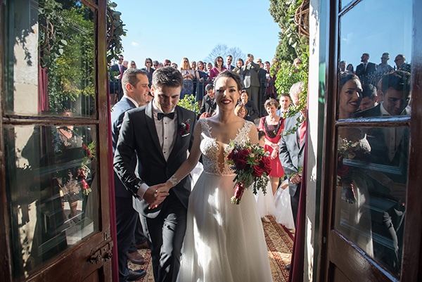 beautiful-winter-wedding-corfu-burgundy-hues_14