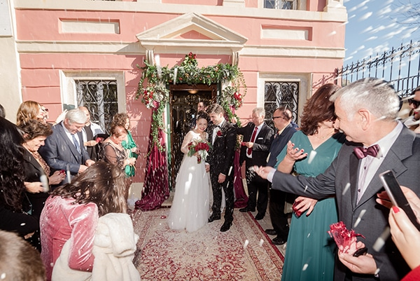 beautiful-winter-wedding-corfu-burgundy-hues_17
