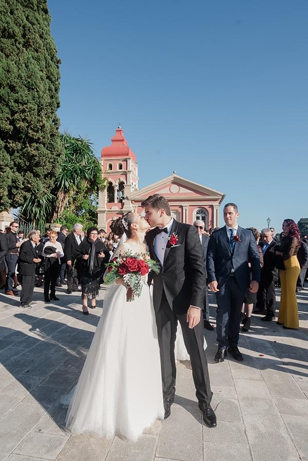 beautiful-winter-wedding-corfu-burgundy-hues_18