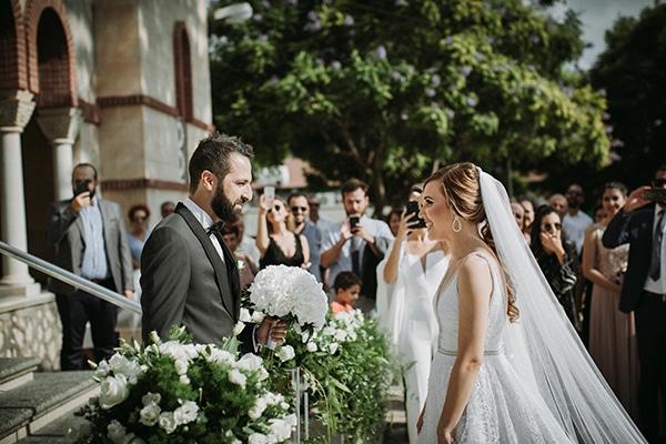 Νύφες μοιράζονται την πιο γλυκιά στιγμή του γάμου τους