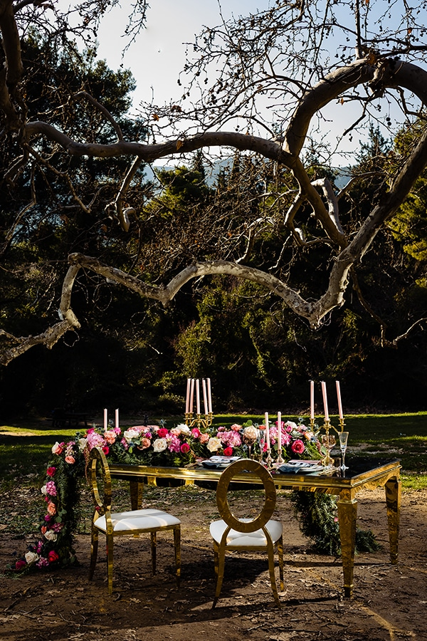 elegant-winter-styled-shoot-athens-gold-details-mirrors-mystical-atmosphere_09