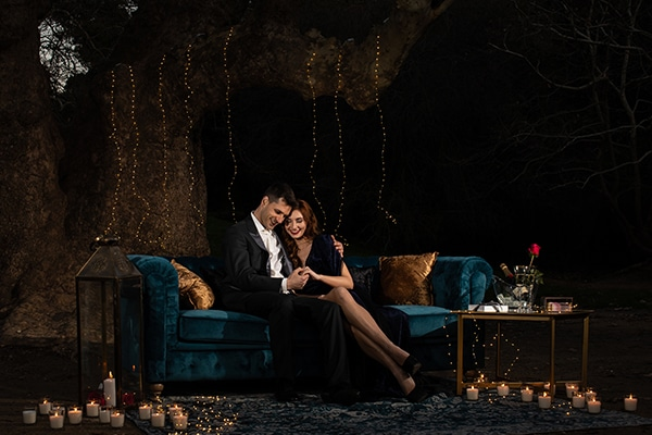 elegant-winter-styled-shoot-athens-gold-details-mirrors-mystical-atmosphere_13