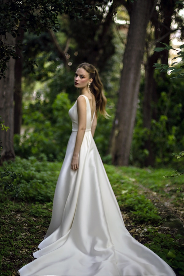 flowy-wedding-creations-ultra-romantic-bridal-look-new-bridal-collection-eleni-kollarou_04