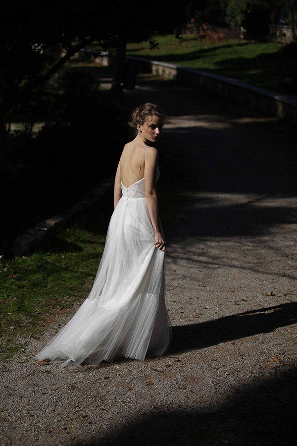 flowy-wedding-creations-ultra-romantic-bridal-look-new-bridal-collection-eleni-kollarou_08x