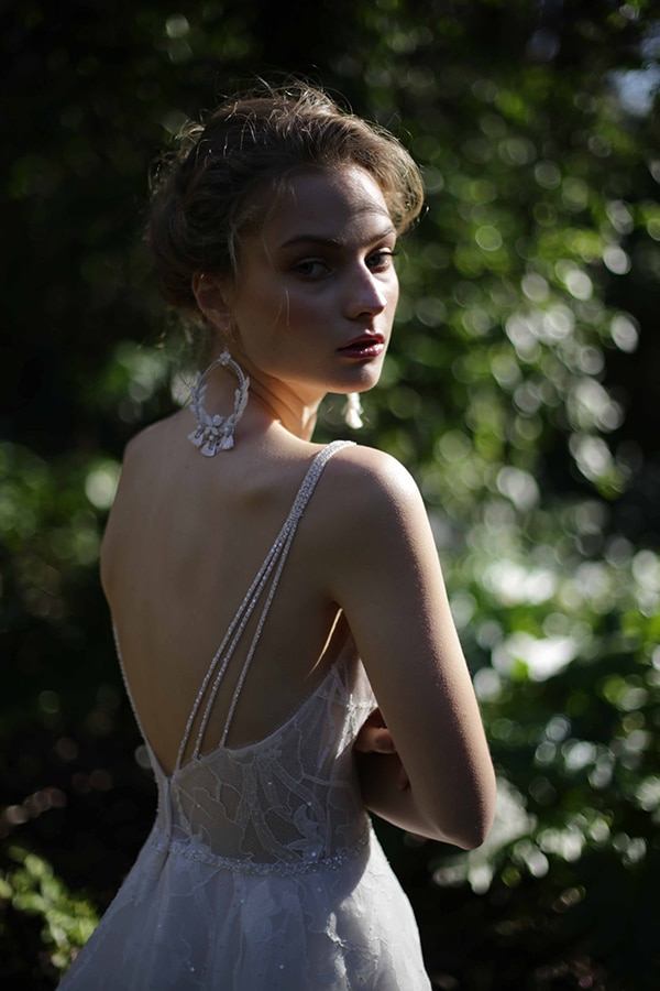 flowy-wedding-creations-ultra-romantic-bridal-look-new-bridal-collection-eleni-kollarou_10x
