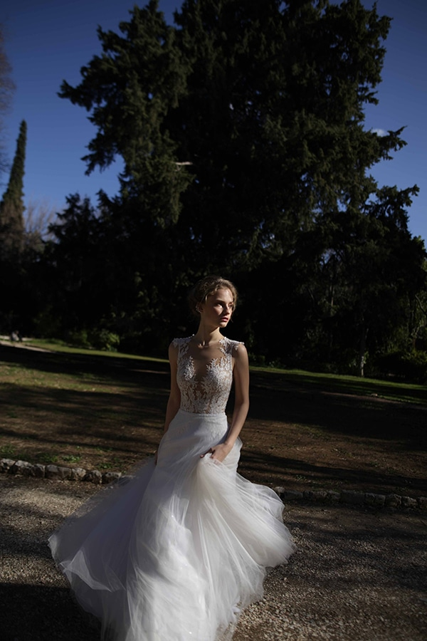 flowy-wedding-creations-ultra-romantic-bridal-look-new-bridal-collection-eleni-kollarou_12