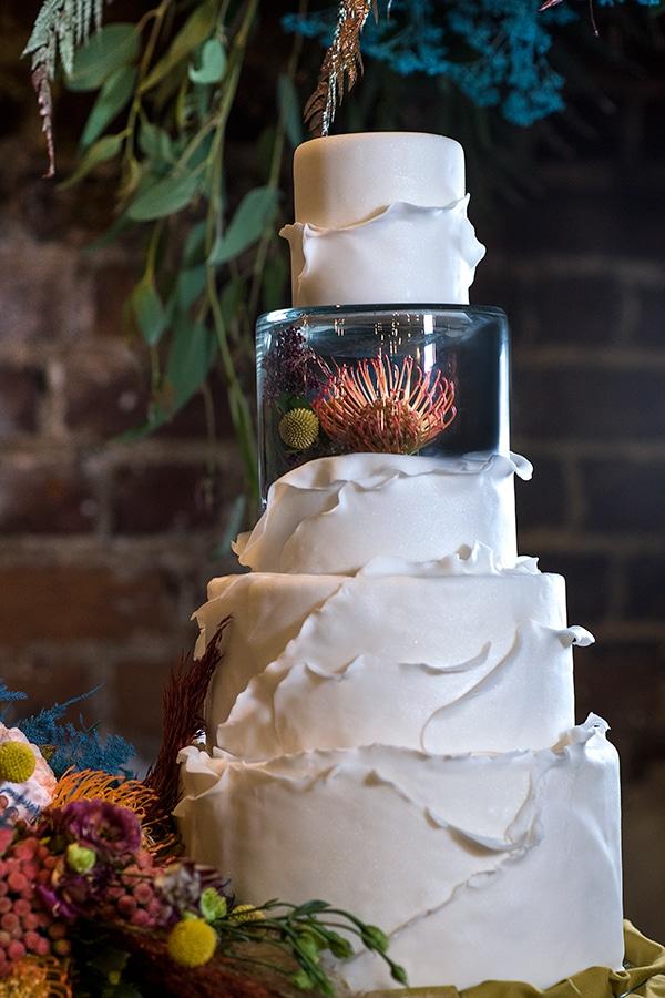 montern-bohemian-wedding-ideas-decoration-pampass-grass-exotic-flowers-vivid-colors_04x