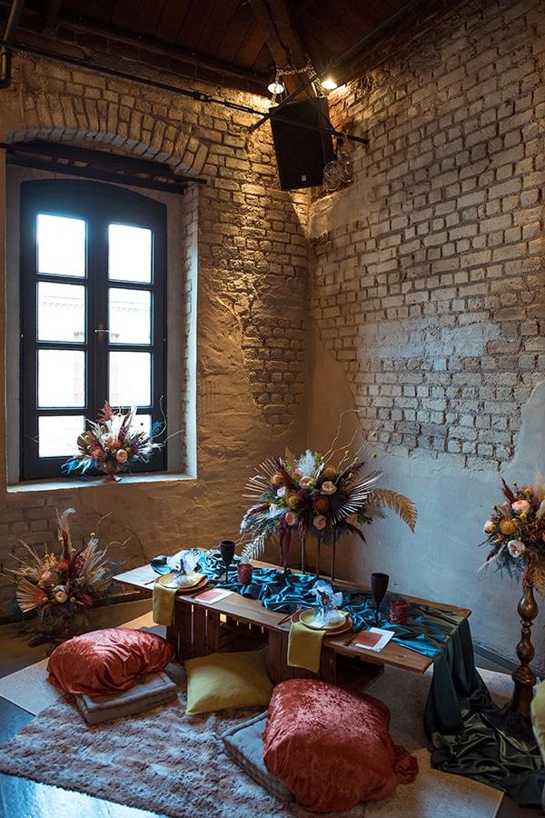 montern-bohemian-wedding-ideas-decoration-pampass-grass-exotic-flowers-vivid-colors_08x