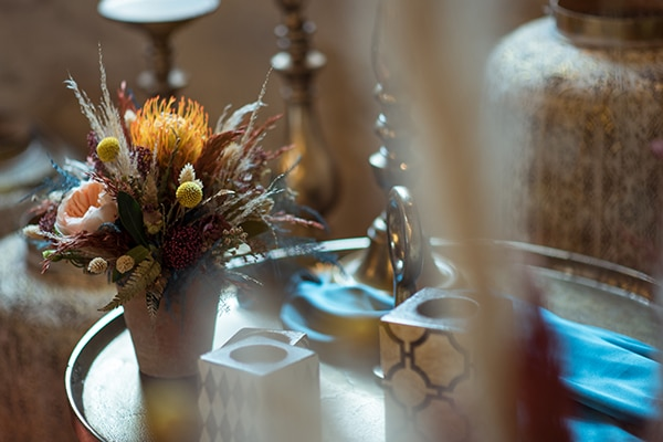 montern-bohemian-wedding-ideas-decoration-pampass-grass-exotic-flowers-vivid-colors_09x