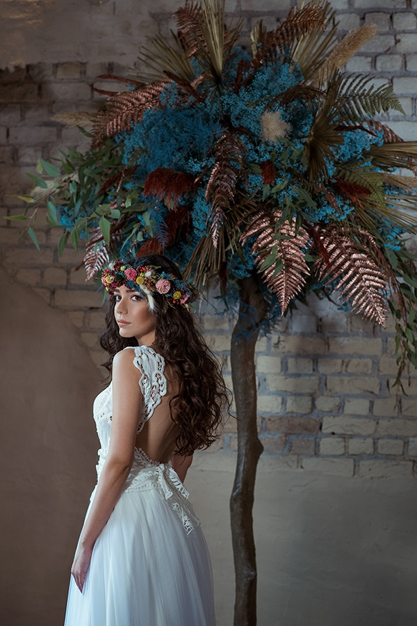 montern-bohemian-wedding-ideas-decoration-pampass-grass-exotic-flowers-vivid-colors_11