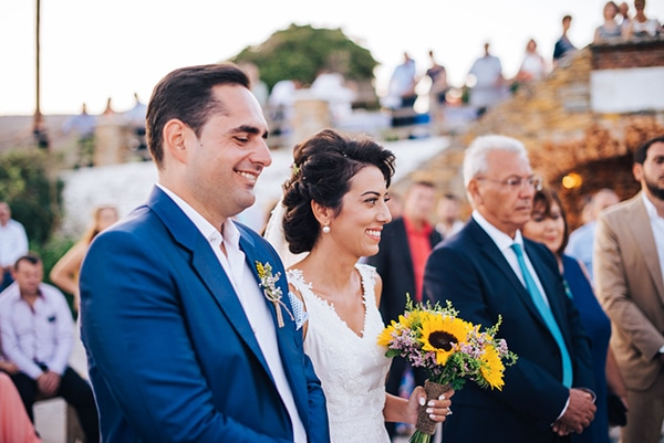 romantic-fall-wedding-beautiful-kythnos-sunflowers_19