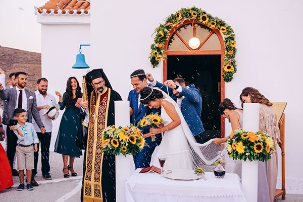 romantic-fall-wedding-beautiful-kythnos-sunflowers_22