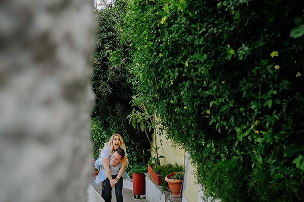 romantic-prewedding-photoshoot-picturesque-alleys_01x