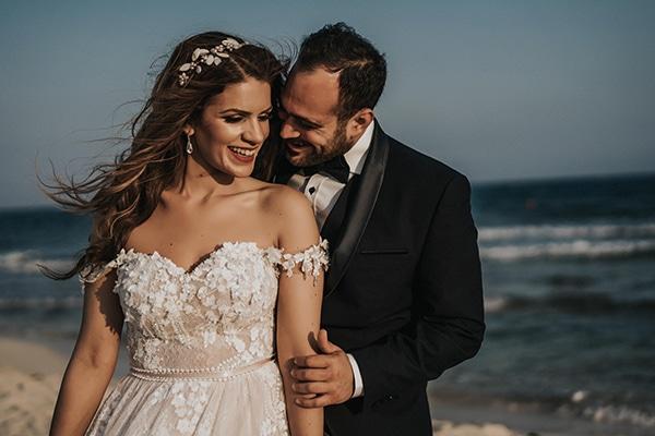 Ρομαντικός καλοκαιρινός γάμος στο Παραλίμνι με απαλές ροζ και peach αποχρώσεις | Ελένη & Γαβριήλ