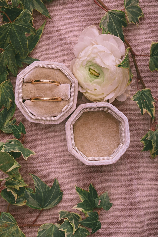styled-shoot-lunaria-pale-colors_05