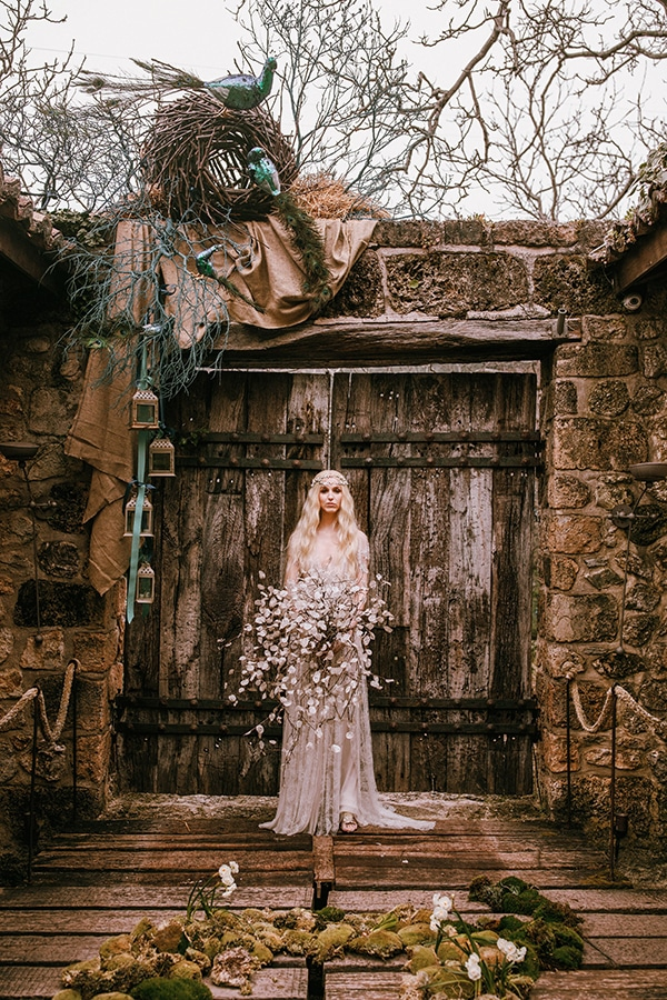 styled-shoot-lunaria-pale-colors_16