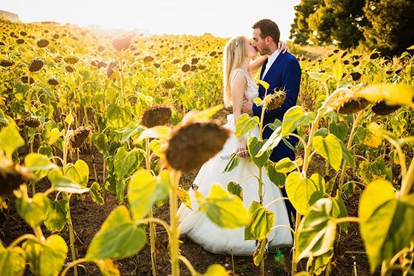 Ο πιο όμορφος υπαίθριος πολιτικός γάμος στην Χαλκιδική σε λευκές αποχρώσεις | Ρένια & Γιώργος