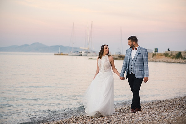 Πανέμορφος ανοιξιάτικος γάμος στην Αθήνα με αγριολούλουδα σε ζωηρές αποχρώσεις | Μαρίζα & Παύλος