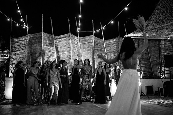 bohemian-summer-wedding-kythnos-pampas-grass_25