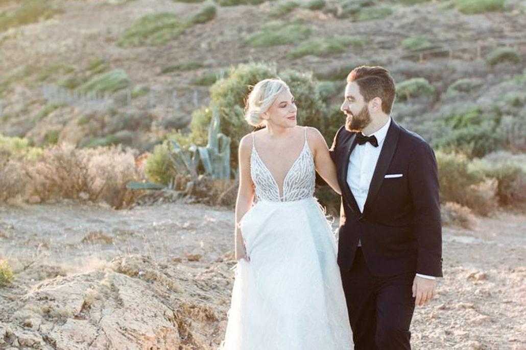 Elegant- ρομαντικός γάμος στην Αθήνα σε μπορντό αποχρώσεις | Χαριτίνη & Βασίλης