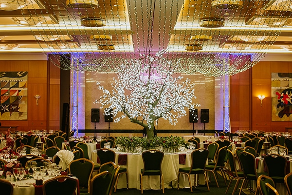 Glamorous wedding inspiration with stunning lighting ideas