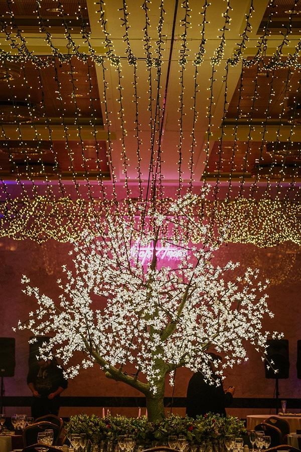 glamorous-wedding-inspiration-stunning-lighting-ideas_03x