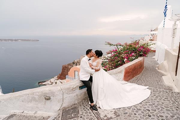 Ολάνθιστος φθινοπωρινός γάμος με φόντο το μαγευτικό νησί της Σαντορίνης | Άντζη & Μάρκος
