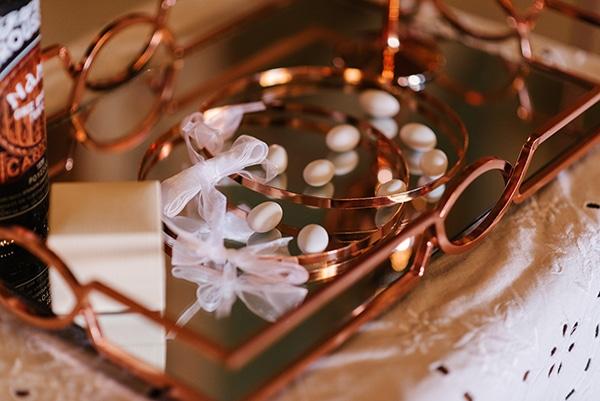 incredible-florals-fall-wedding-santorini_05