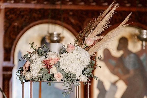 incredible-florals-fall-wedding-santorini_07