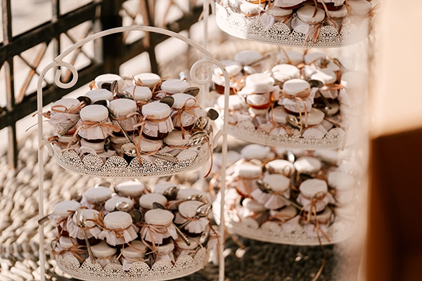 incredible-florals-fall-wedding-santorini_11