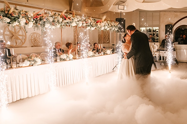 incredible-florals-fall-wedding-santorini_24